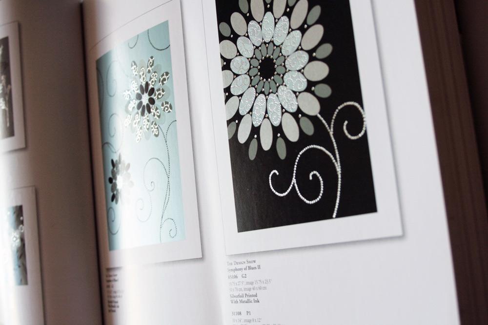Katalog fuer Motive mit Silberpraegung und Blumenmotive