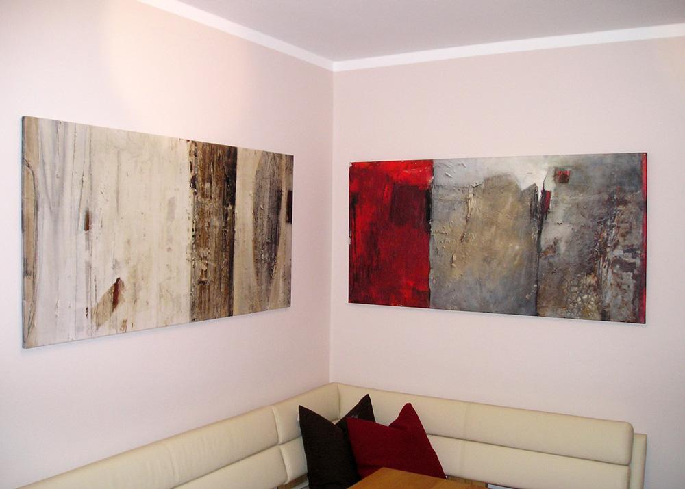 Moderne abstrakte Wandbilder im Wohnzimmer eines Kunden
