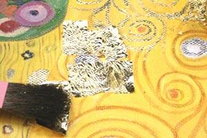 Gustav Klimt Gemaelde Vergoldung mit Pinsel